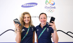 RIO DE JANEIRO, BRAZIL - AUGUST 03:  Alicia Blagg (L) and Rebecca Gallantree of Great Britain  receive their Samsung Galaxy S7 edge Olympic Games Limited Edition Smartphones at the Samsung Galaxy Studio in the 2016 Olympic Village on August 3, 2016 in Rio de Janiero, Brazil.(Photo by Hagen Hopkins/Getty Images)