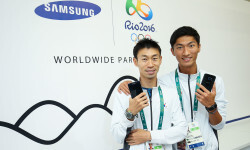 RIO DE JANEIRO, BRAZIL - AUGUST 03:  Byun Young Jun (L) and Byeong Kwang Choe of Korea during a visit to the Samsung Galaxy Studio in the Olympic Village on August 3, 2016 in Rio de Janiero, Brazil.  (Photo by Hagen Hopkins/Getty Images) *** Local Caption *** Byun Young Jun; Byeong Kwang Choe