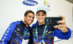 RIO DE JANEIRO, BRAZIL - AUGUST 03:  Cesar Marcano (L) and Hersony Canelon of Venezuela  receive their Samsung Galaxy S7 edge Olympic Games Limited Edition Smartphones at the Samsung Galaxy Studio in the 2016 Olympic Village on August 3, 2016 in Rio de Janiero, Brazil.(Photo by Hagen Hopkins/Getty Images)