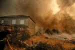 Varios incendios persisten en Ourense y Lugo.