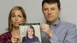 Kate y Gerry McCann muestran una fotografía de Maddie tal como sería en la actualidad (AP)