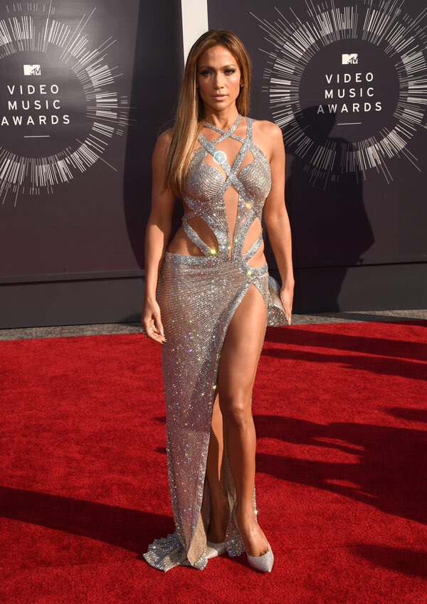 jennifer-lopez-red-carpet-mtv-vmas-2014-ftr-1