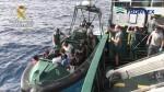 La Guardia Civil rescata a 50 inmigrantes en aguas almerienses