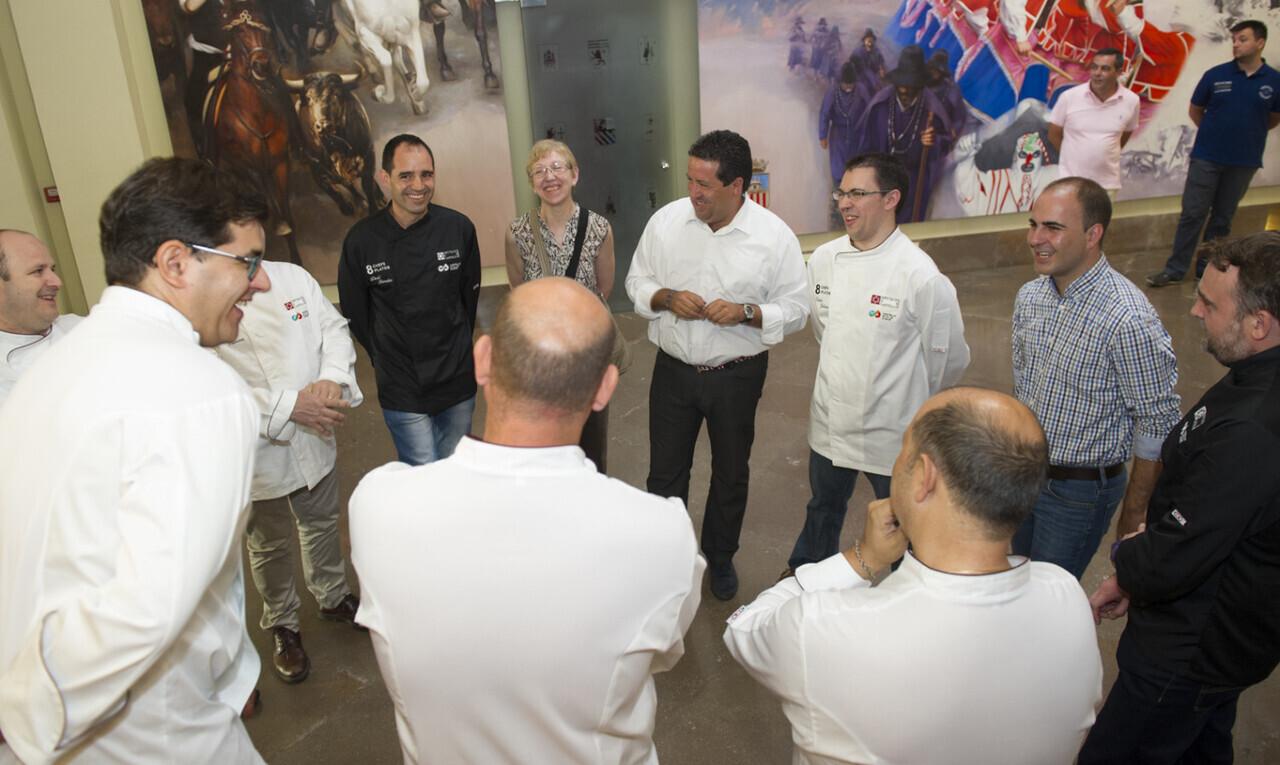 3256-18-07-16-8-chefs