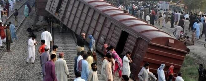 al-parecer-el-tren-de-pasajeros-golpeo-al-convoy-de-mercancias-por-detras