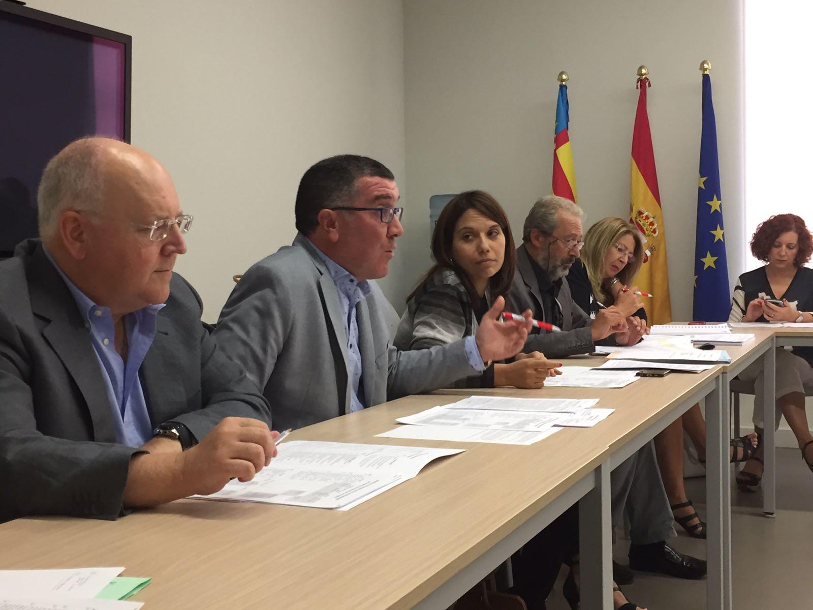 el-consell-constituye-la-comision-de-seguimiento-del-acuerdo-de-legislatura-firmado-con-los-sindicatos