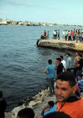 el-barco-se-hundio-en-el-mar-mediterraneo-frente-a-la-costa-de-burg-rashid