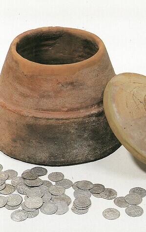 entre-las-novedades-destacables-esta-la-muestra-de-las-monedas-del-conocido-como-tesoro-de-la-calle-libertad