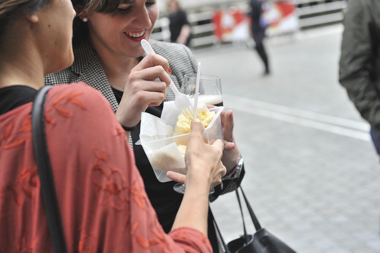 este-viernes-el-amstel-valencia-market-abre-sus-puertas-con-la-mejor-street-food-y-una-competicion-de-maridaje-con-cerveza-amstelvalencia-cartel-2