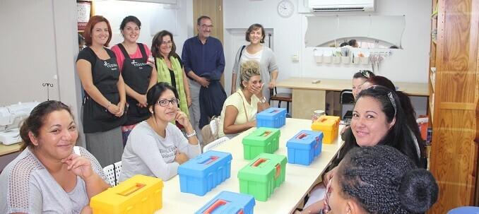 isabel-lozano-acudio-hoy-al-inicio-del-curso-de-costura-basica