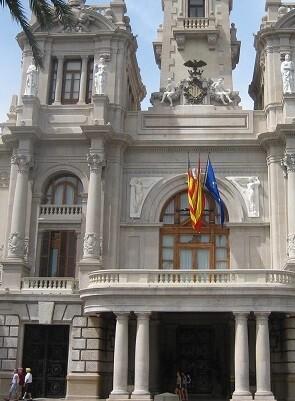 La personación se solicitó en septiembre de 2015 a partir de una moción del alcalde.