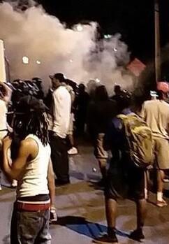 manifestantes-durante-la-protesta-anoche-imagen-de-la-television