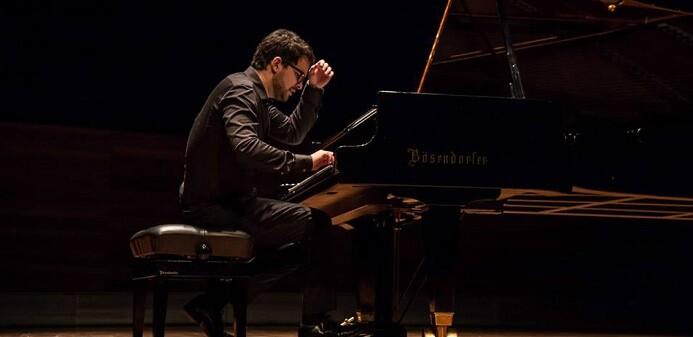 talon-esta-considerado-como-uno-de-los-pianistas-con-mayor-proyeccion-internacional-de-su-generacion-foto-maria-diez