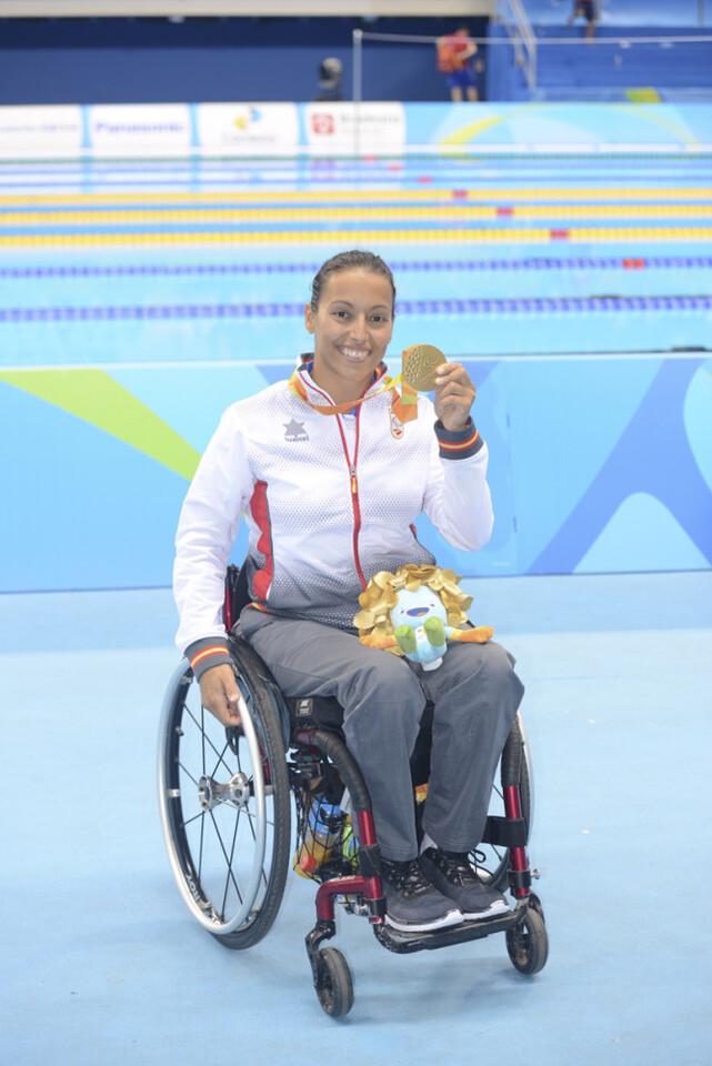 Teresa Perales  medalla de oro en 50m espalda S5