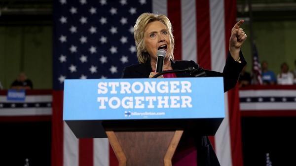 """Hillary Clinton criticó la retórica """"antimusulmana"""" de Donald Trump (AFP)"""