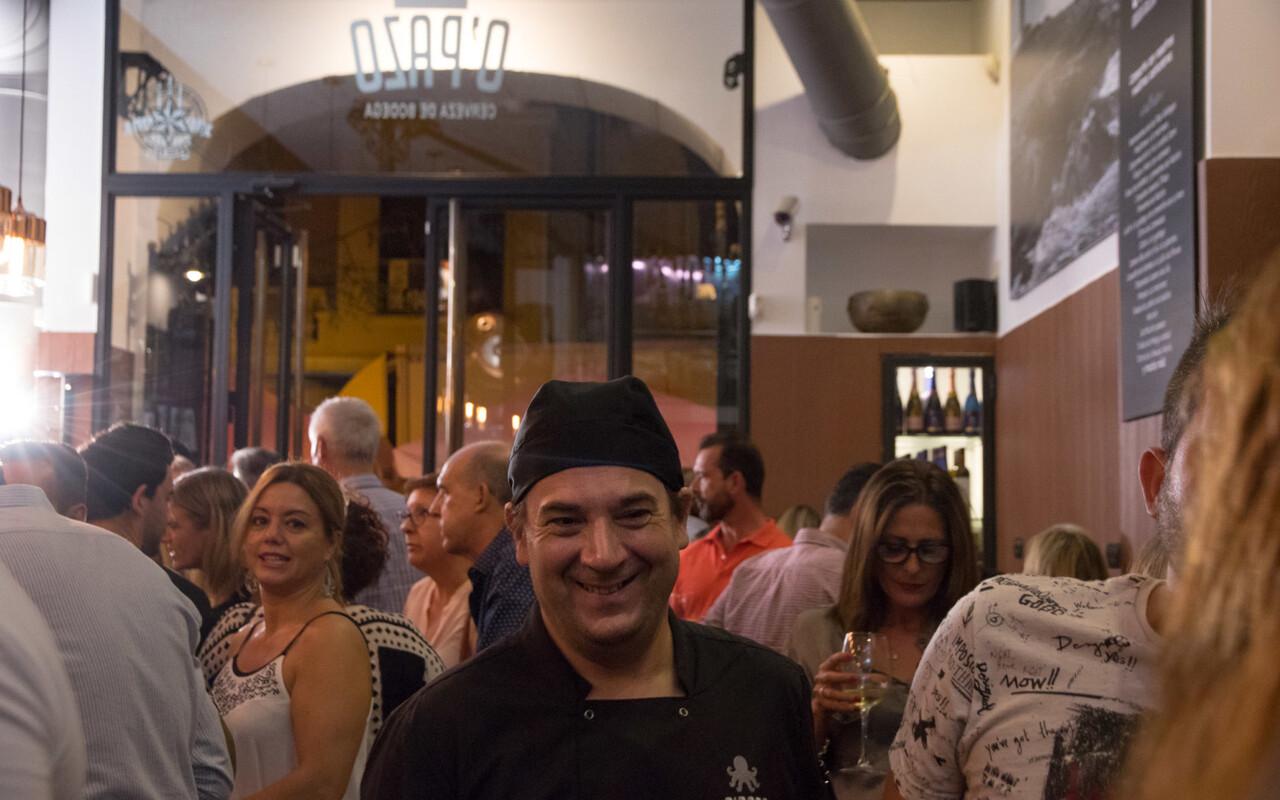 El cocinero Manuel Ferreiro en un momento de la inauguración
