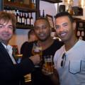 José Paz junto al ex jugador del Valencia, Miguel Brito y al representante de futbolistas Daniel en un momento de la inauguración