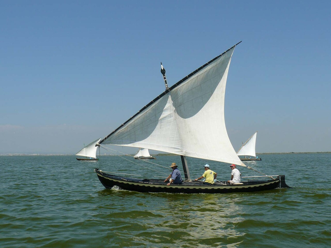 barca-vela-llatina-albufera