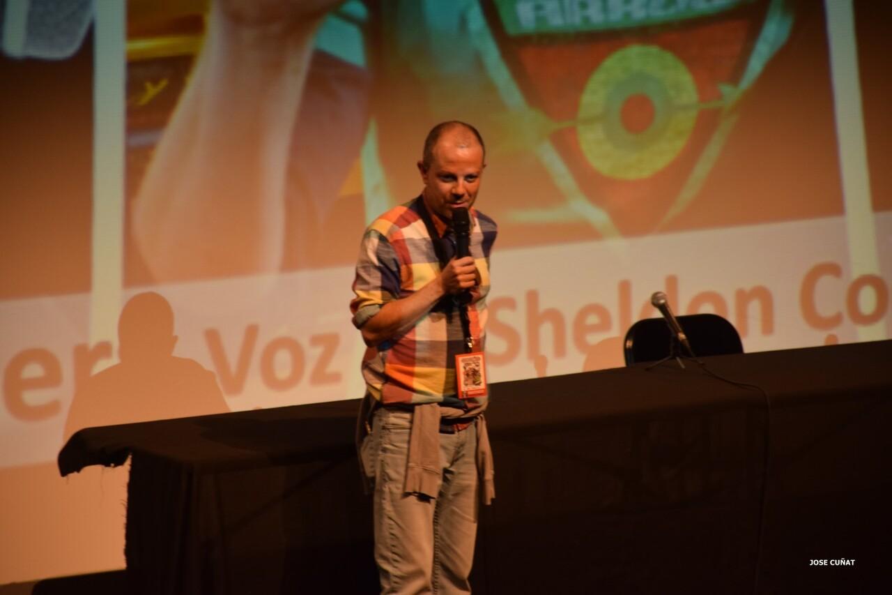 cificom-valencia-2016-fernando-cabrera-voz-de-sheldon-cooper-y-kylo-rencine-ficcion-y-coleccionismo-cosplayers-juegos-de-mesa-y-videojuegos-5