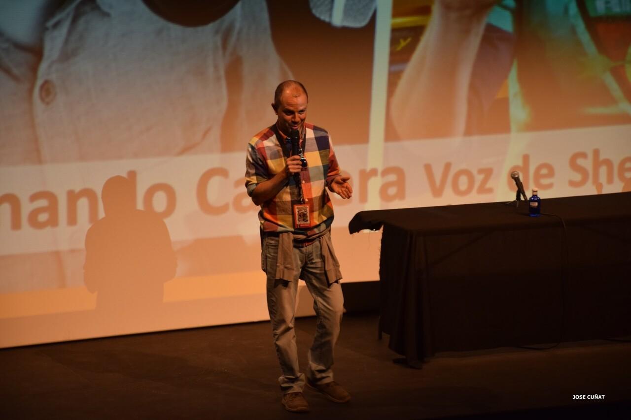 cificom-valencia-2016-fernando-cabrera-voz-de-sheldon-cooper-y-kylo-rencine-ficcion-y-coleccionismo-cosplayers-juegos-de-mesa-y-videojuegos-6