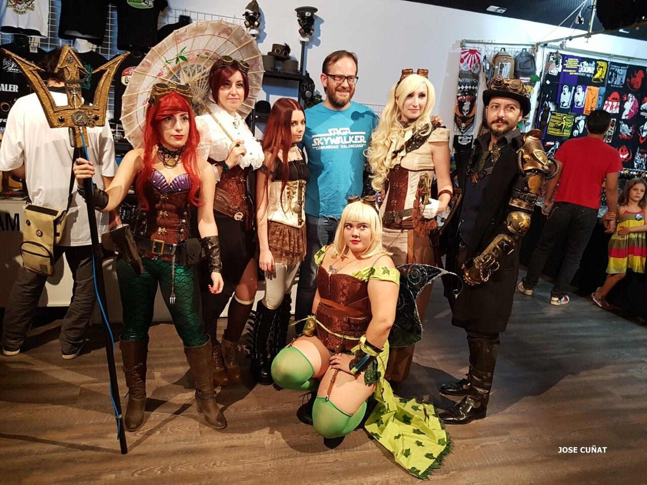 cificom-valencia-2016-star-wars-encuentro-de-cine-ficcion-y-coleccionismo-cosplayers-juegos-de-mesa-y-videojuegos-22