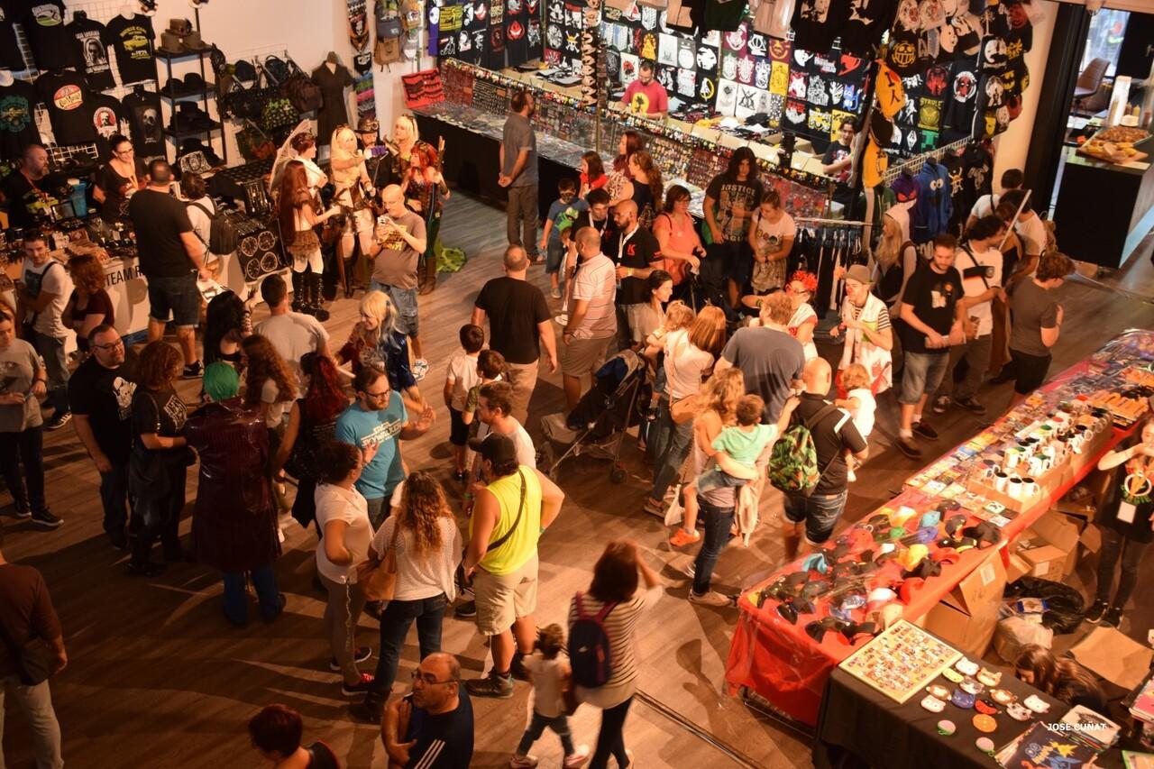 cificom-valencia-2016-star-wars-encuentro-de-cine-ficcion-y-coleccionismo-cosplayers-juegos-de-mesa-y-videojuegos-59