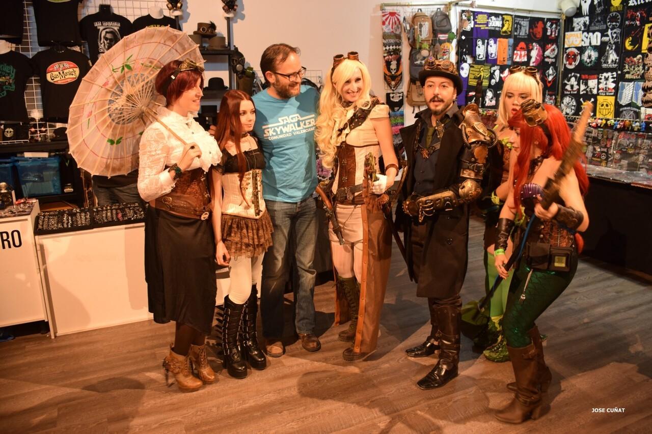 cificom-valencia-2016-star-wars-encuentro-de-cine-ficcion-y-coleccionismo-cosplayers-juegos-de-mesa-y-videojuegos-61