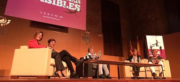 el-cortometraje-dirigido-ha-sido-presentado-en-petxina-con-una-mesa-coloquio-que-ha-moderado-la-periodista-paloma-del-rio-y-recoge-testimonios-de-diferentes-mujeres-deportistas-valencianas