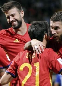 espana-celebra-uno-de-los-goles