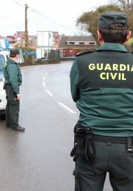 la-guardia-civil-ha-dispuesto-un-amplio-cordon-alrededor-de-la-zona
