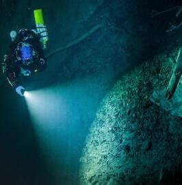 la-cueva-tiene-al-menos-400-metros-de-profundidad