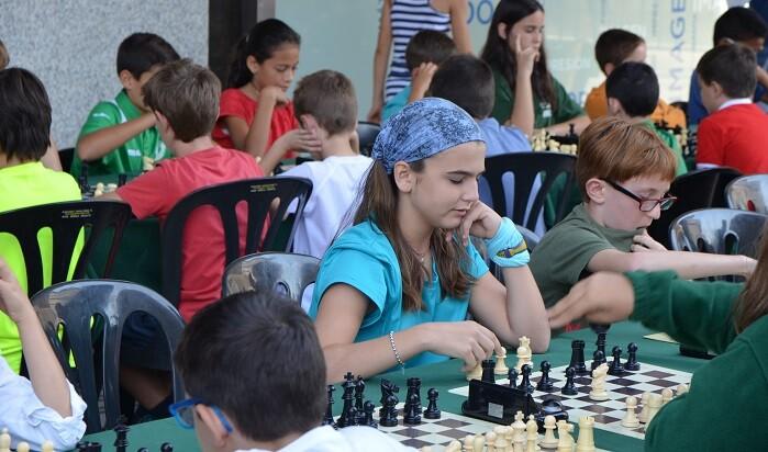 los-chics-participantes-en-una-de-las-partidas