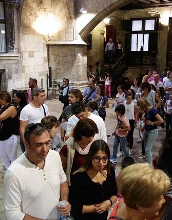 miles-de-valencianos-y-valencianas-se-han-acercado-este-sabado-a-los-diferentes-enclaves-que-componen-la-ruta-de-puertas-abiertas