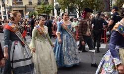 procesion-civica-valencia-9-octubre-senera-senyera-corte-falleras-1