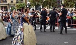 procesion-civica-valencia-9-octubre-senera-senyera-corte-falleras-10