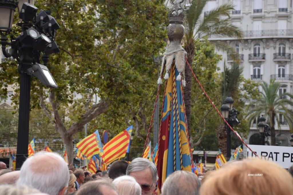 procesion-civica-valencia-9-octubre-senera-senyera-imagenes-18