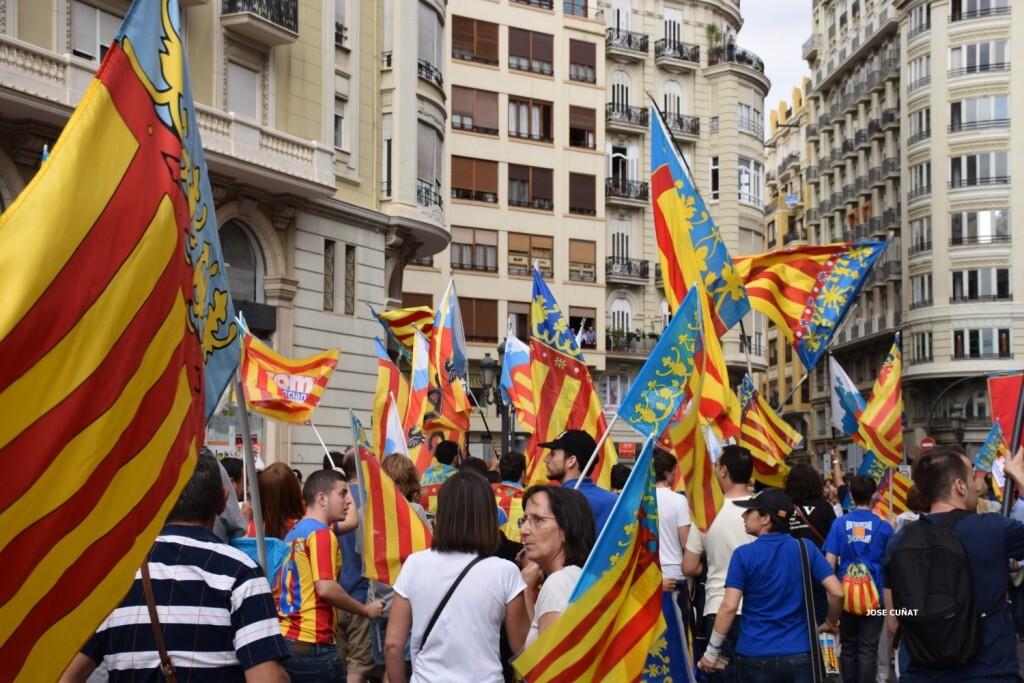 procesion-civica-valencia-9-octubre-senera-senyera-imagenes-31
