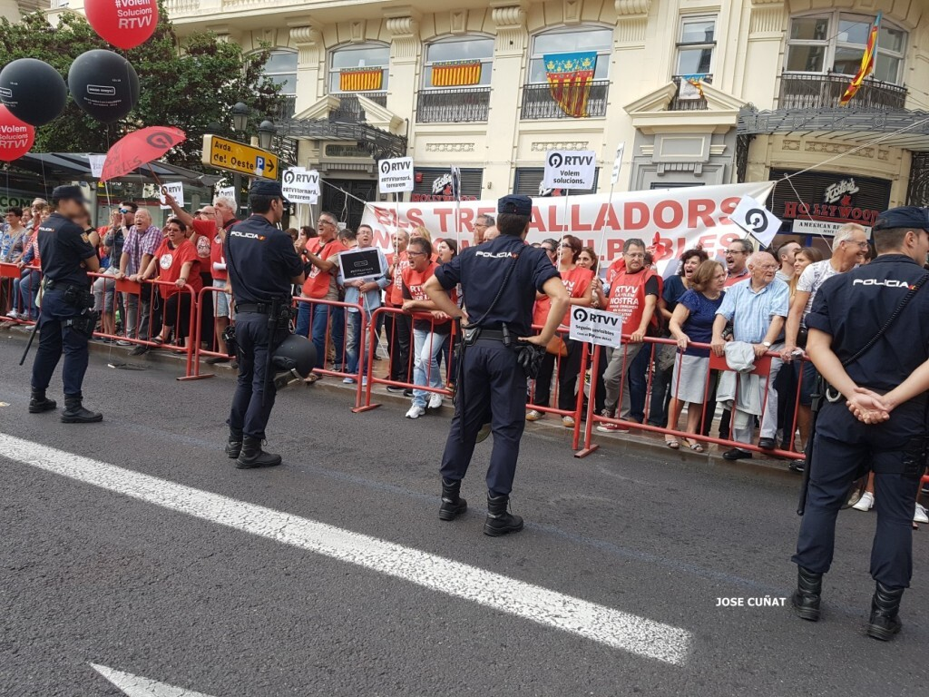 procesion-civica-valencia-9-octubre-senera-senyera-imagenes-4