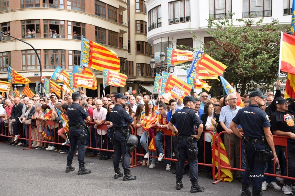 procesion-civica-valencia-9-octubre-senera-senyera-imagenes-40