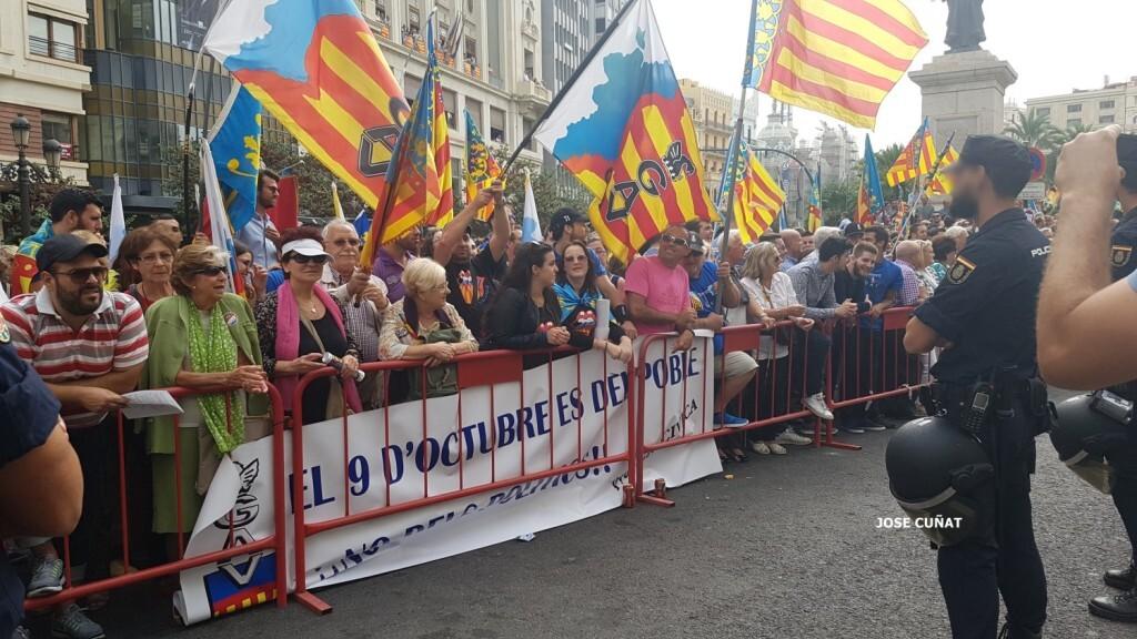 procesion-civica-valencia-9-octubre-senera-senyera-imagenes-7