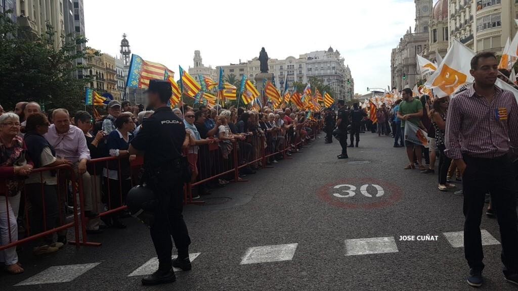 procesion-civica-valencia-9-octubre-senera-senyera-imagenes-9