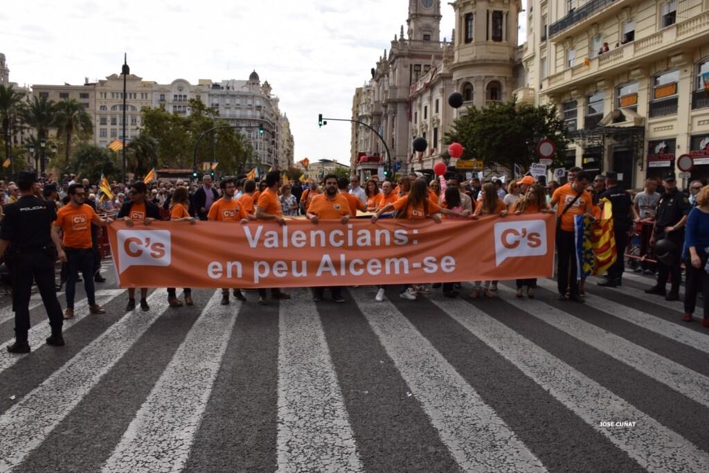 procesion-civica-valencia-9-octubre-senera-senyera-partidos-politicios-10