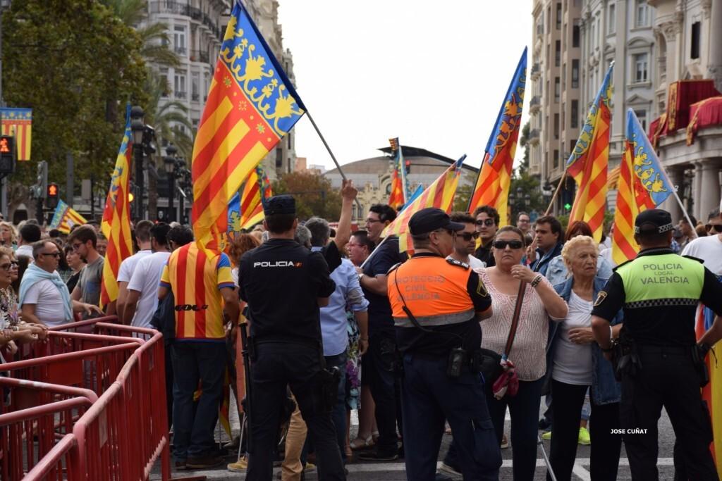 procesion-civica-valencia-9-octubre-senera-senyera-partidos-politicios-12
