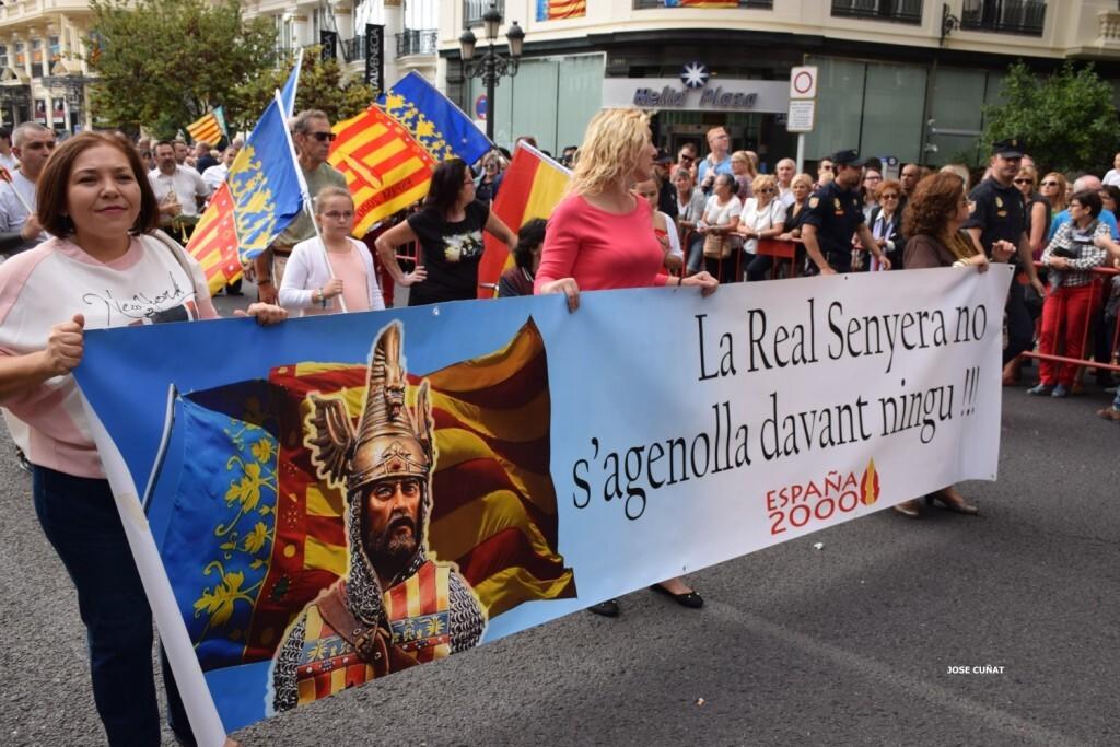 procesion-civica-valencia-9-octubre-senera-senyera-partidos-politicios-14