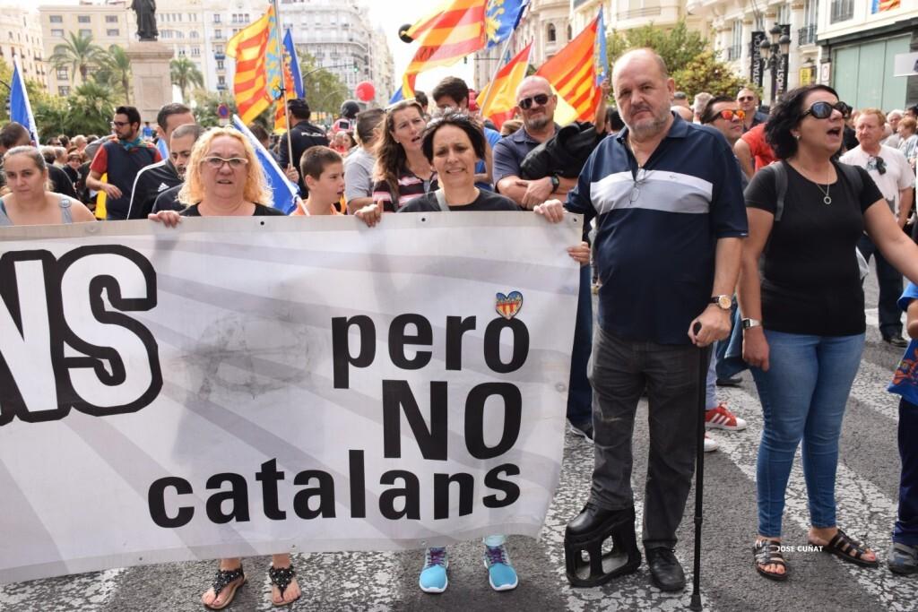 procesion-civica-valencia-9-octubre-senera-senyera-partidos-politicios-18