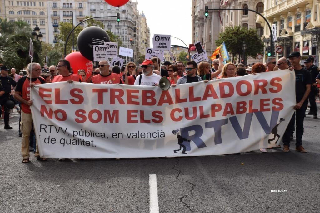 procesion-civica-valencia-9-octubre-senera-senyera-partidos-politicios-19