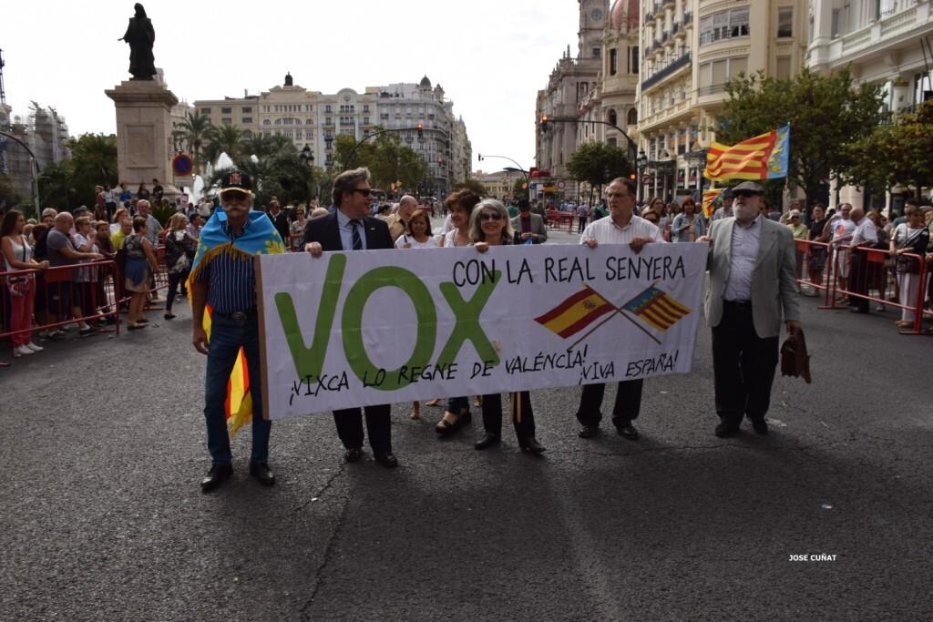 procesion-civica-valencia-9-octubre-senera-senyera-partidos-politicios-20