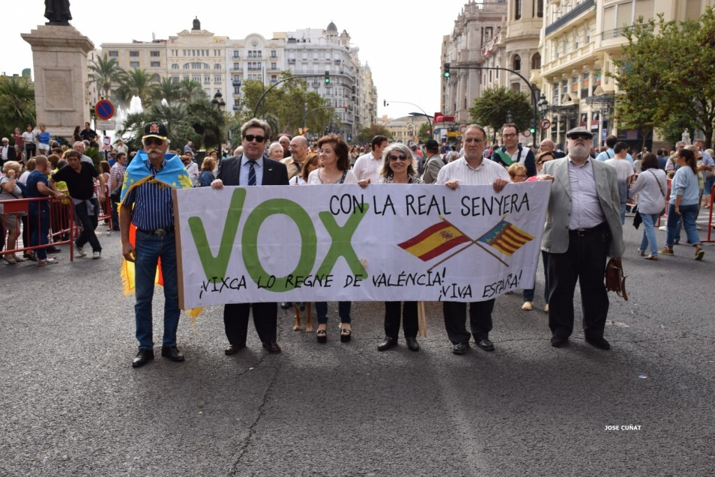 procesion-civica-valencia-9-octubre-senera-senyera-partidos-politicios-21