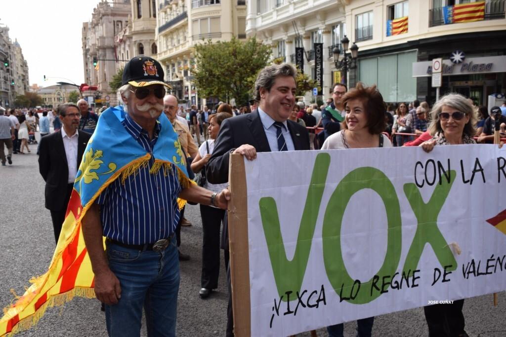 procesion-civica-valencia-9-octubre-senera-senyera-partidos-politicios-24
