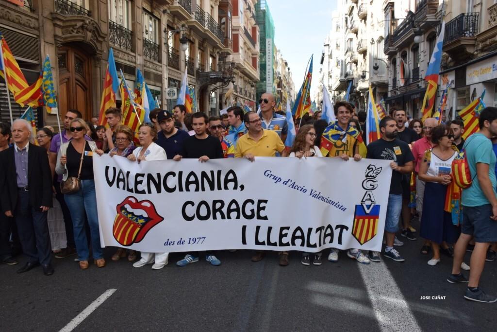 procesion-civica-valencia-9-octubre-senera-senyera-partidos-politicios-25